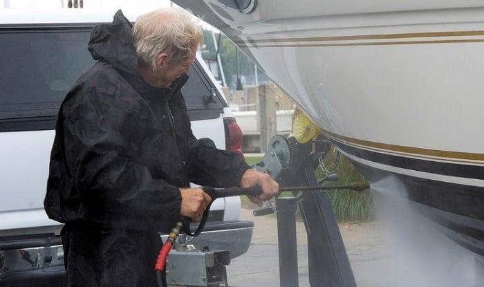 fiberglass-hull-cleaning