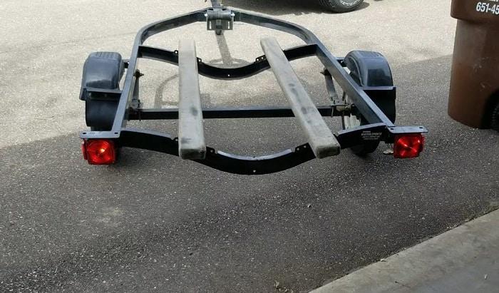 best-submersible-trailer-lights