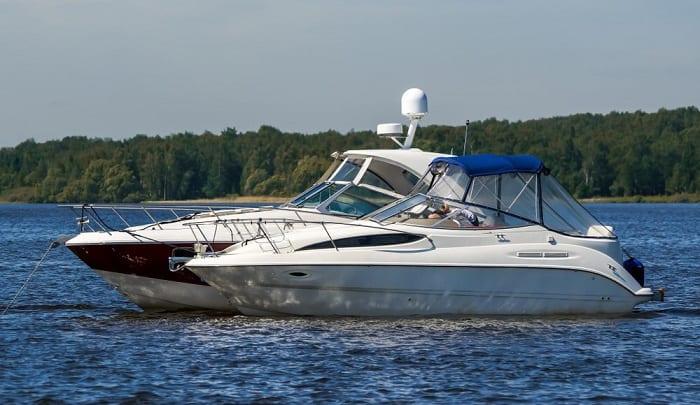 lake-boat-anchor