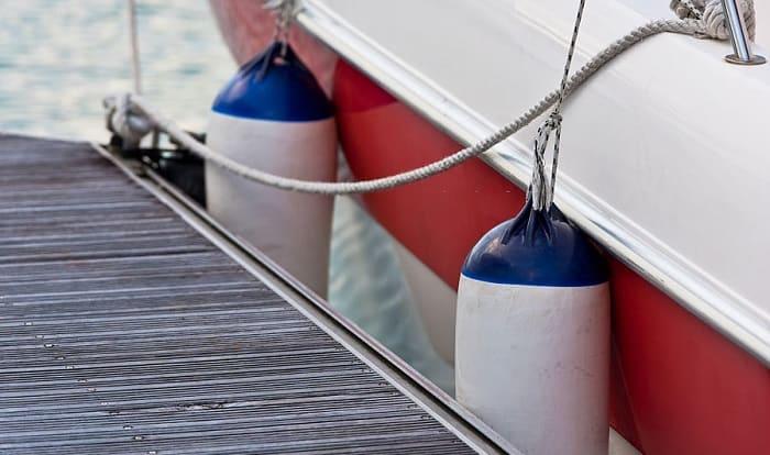 pontoon-boat-fenders