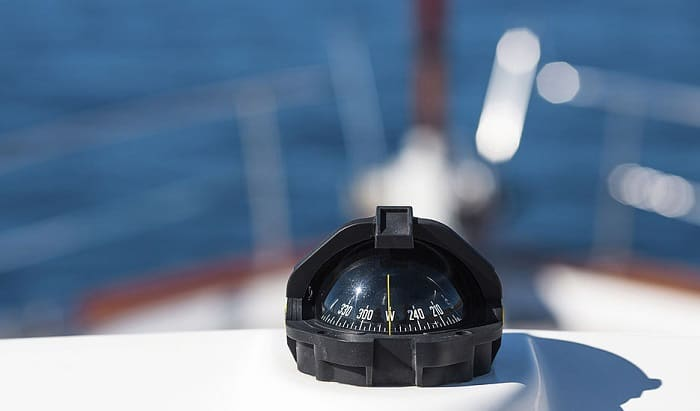 best-small-boat-compass