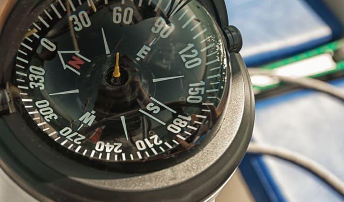 dash-mount-marine-compass