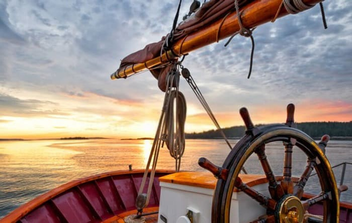 What-side-is-the-steering-wheel-on-a-boat