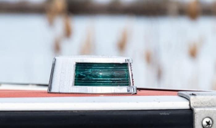 battery-powered-boat-navigation-lights