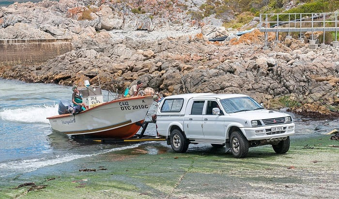 loading-boat-on-trailer